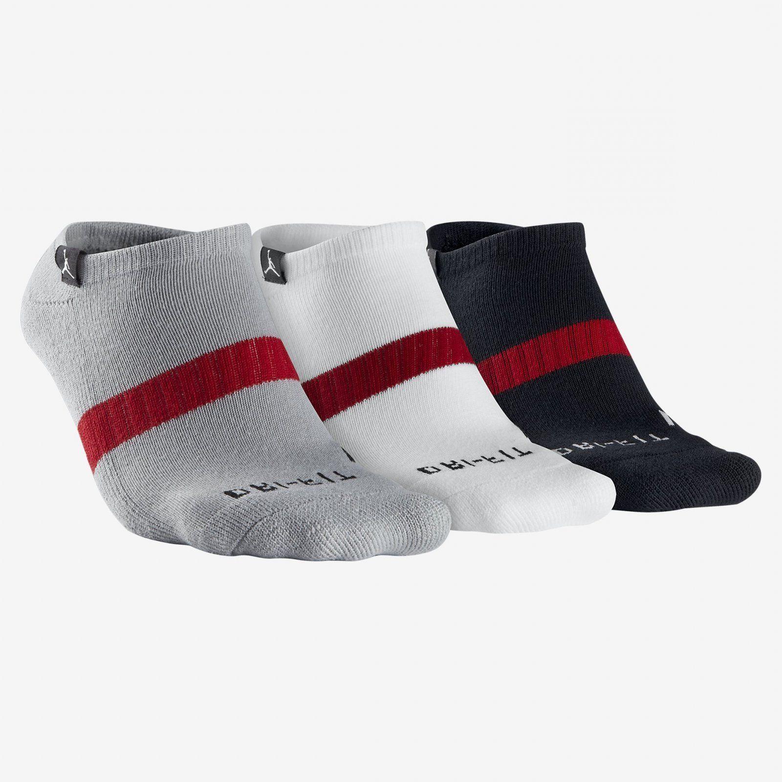 dri fit low black red socks 3